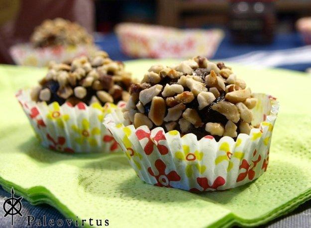 Paleo chocolate balls